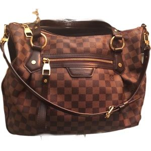 LARGE LOUIS VUITTON DAMIER HANDBAG!